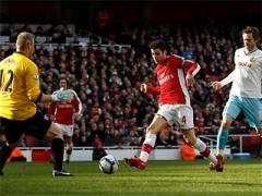 Аршавин помог Арсеналу догнать Челси