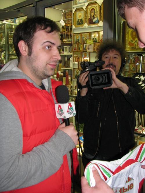 Фоторепортаж автограф-сессии Тарасова