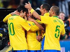Бразилия вышла в 1/8 финала ЧМ