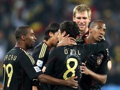 Германия и Гана вышли в 1/8 финала ЧМ-2010