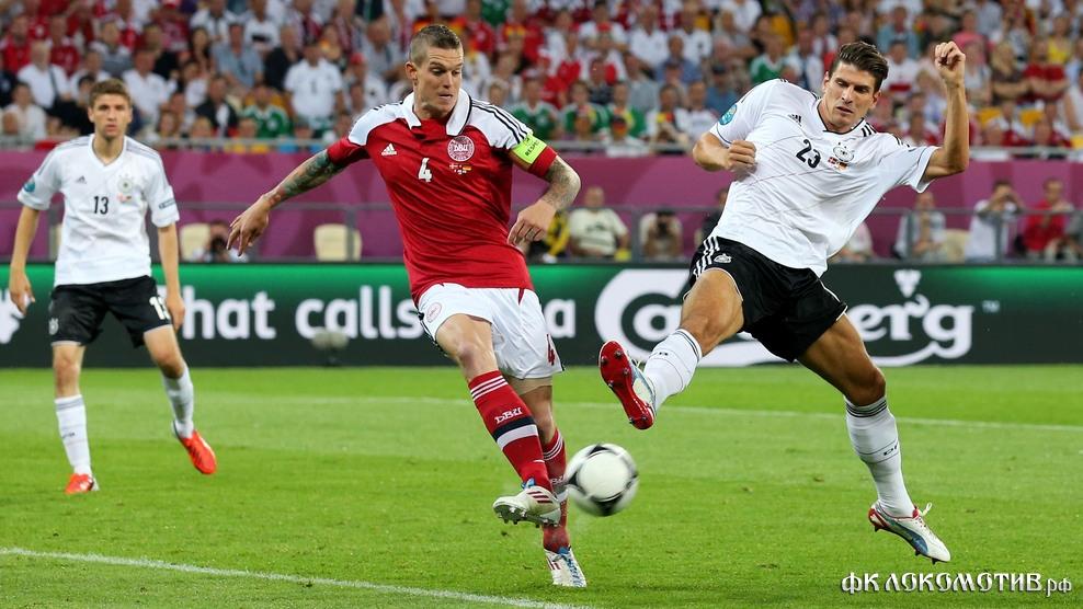 Германия одержала три победы в группе B и вышла в четвертьфинал с первого места