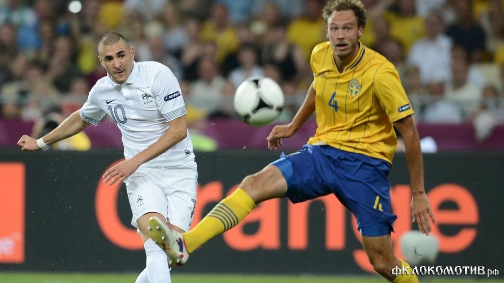 Франция вышла в четвертьфинал Евро-2012, несмотря на поражение от Швеции