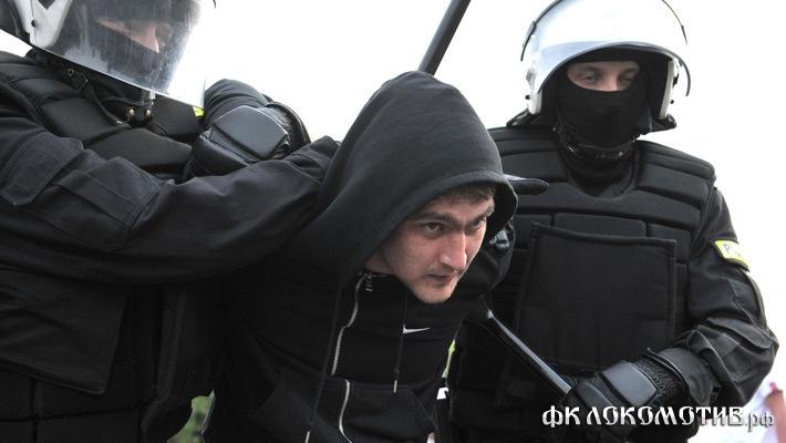 Освобожденных из-под стражи в Варшаве российских болельщиков депортировали из Польши