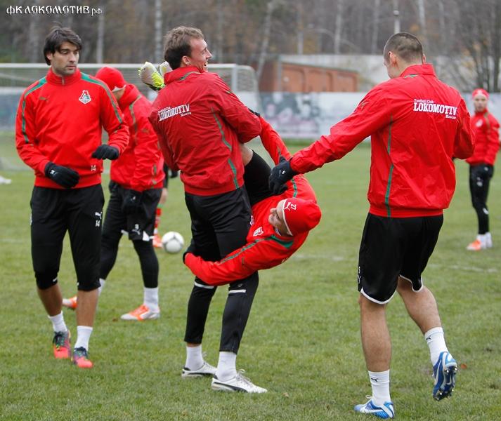 «Локомотив» готовится к возвращению в Черкизово (фото с тренировки)