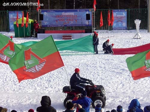 Зимний футбол – это по-русски