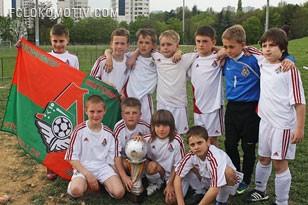 Приводите ребенка в школу «Локомотива»!