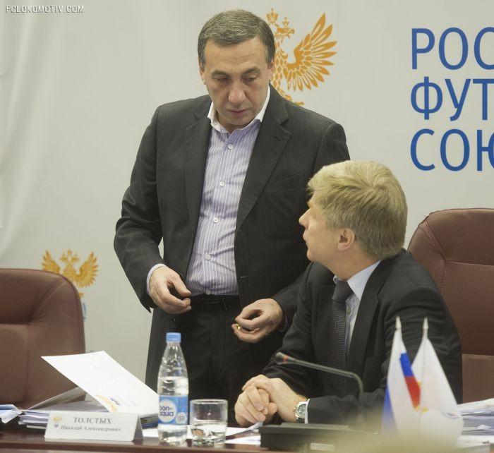 Вышел Гинер из тумана… Кто и с какой целью влияет на разрыв отношений между РФС и РПФЛ