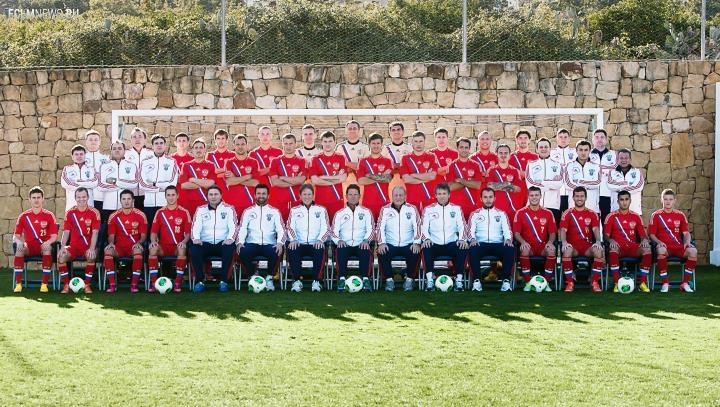 24 игрока на матч в Белфаст