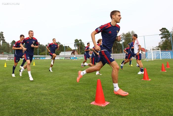 Защитник «Анжи» Логашов подписал 4-летний контракт с «Локомотивом»