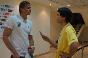 Полузащитник сборной России Дмитрий Тарасов: «Сложно комментировать решение Капелло, он сам все максимально объяснил»