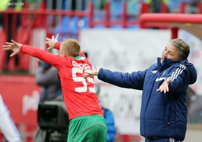 Дан Петреску оспаривает даже такие судейские решения, как ввод мяча и-за боковой