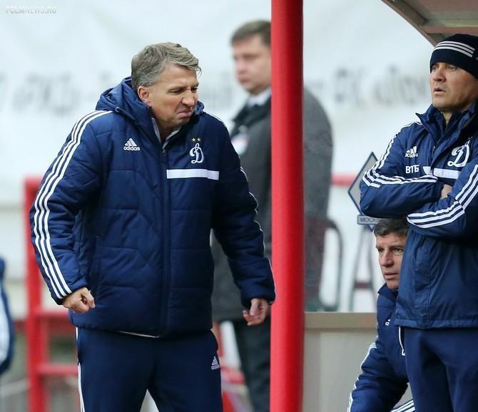 Обычно румынский тренер закипает уже на первых минутах матча.