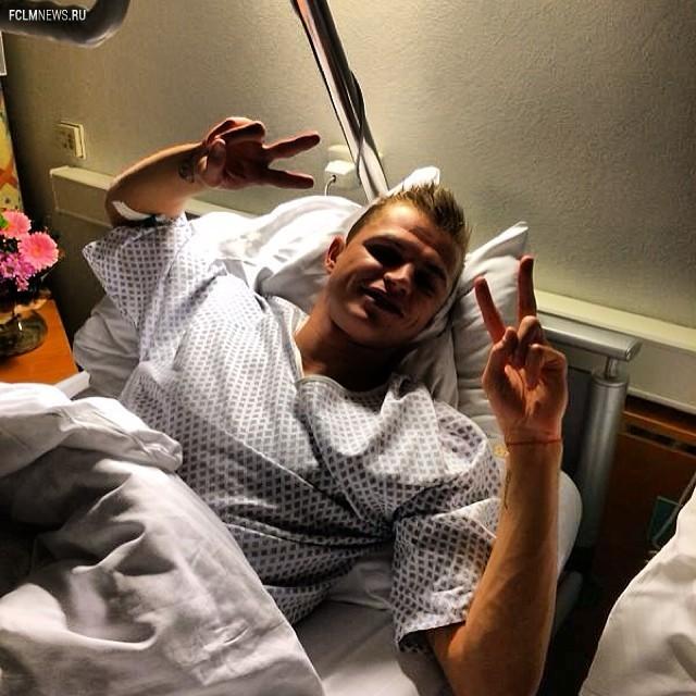Тарасов успешно перенес операцию на колене