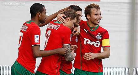 Локомотив победил Крылья 2-1 и вышел на первое место в чемпионате.