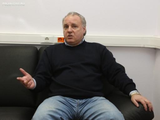 Владимир Абрамов: Порой казалось, что на поле две одинаковые команды