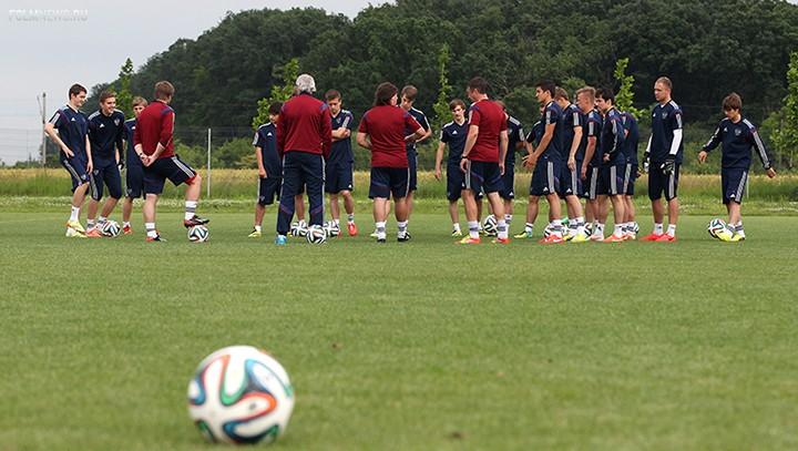 Сегодня сборная России играет с Норвегией в элитном раунде ЧЕ-2014 U-19(есть видео)
