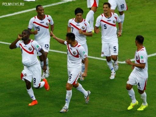 Костариканцы праздную взятие трофея Источник: Reuters