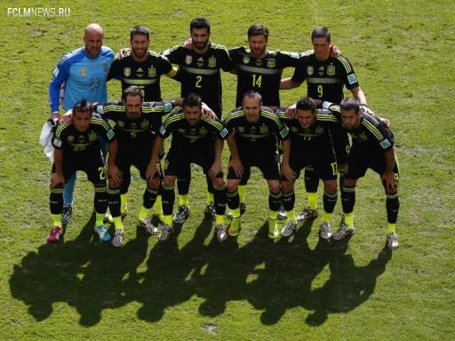 Сборная Испании перед своим последним матчем на ЧМ-2014 против Австралии Источник: Reuters