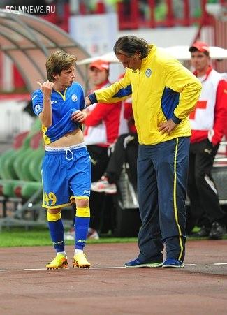Миодраг Божович дает указания Жано Ананидзе Источник: Sovsport.ru