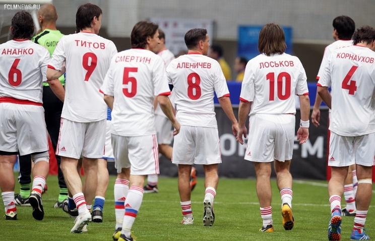 Россияне сыграют на чемпионате мира по футболу между игроками в возрасте от 35 до 45 лет