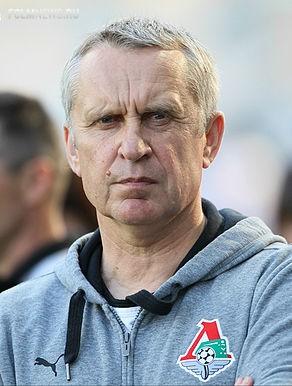 Новый тренер для сборной Беларуси: в поисках антикризисного управляющего