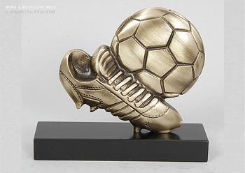 Сборная мира примет участие в Кубке Легенд 2015-го года.