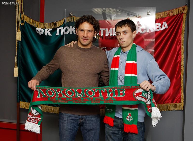 Дмитрий Сенников встретился с болельщиками
