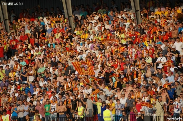 «Стадионы строятся, а посещаемость падает»