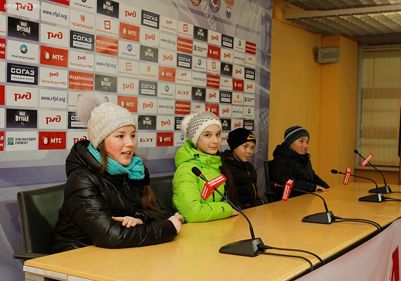 Дети с Кремлевской елки – на «Локомотиве» (ФОТОРЕПОРТАЖ)