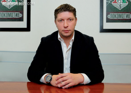 «Локомотив» продлит контракты с крайними защитниками