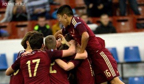 Юношеская сборная России по футболу проведет два матча с азербайджанцами в Баку