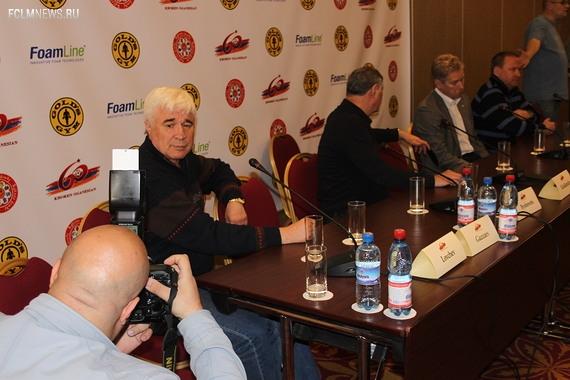 Сборную мира на поле против сборной СССР выведет  Евгений Ловчев