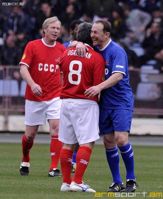 Сборная СССР сыграла вничью со Сборной Мира (фото)
