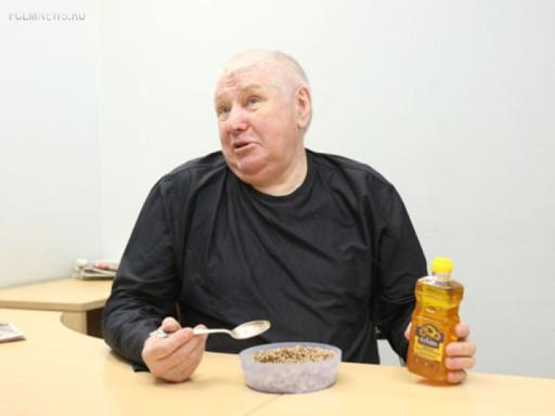 Валерий  Маслов: По договорнякам мы не были белыми и пушистыми