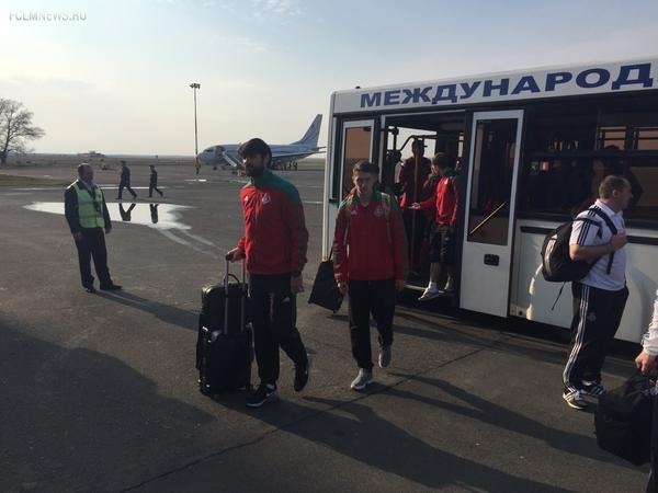 """""""Локомотив"""" прилетел в Оренбург и отправился на тренировку"""
