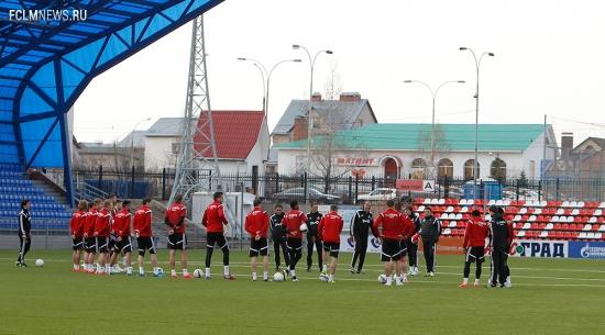 «Локомотив» прибыл в Оренбург и провёл тренировку