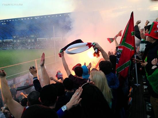 «Стадион «Газовика» хотелось обнять». Как болели фаны «Локо»