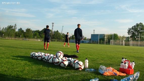 Чтим Капелло. Читаем Достоевского. Как юношеская сборная готовится выиграть Евро-2015