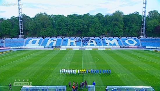 Как насчитать 8500 зрителей на пустом стадионе