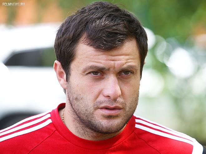 Касаев: кладут молодому огромные деньги, и он «поплыл»