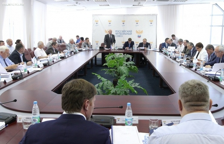 Российские тренеры выступили за включение своего представителя в исполком РФС