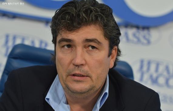 Писарев останется тренером молодежки, пока не найдет работу в клубе