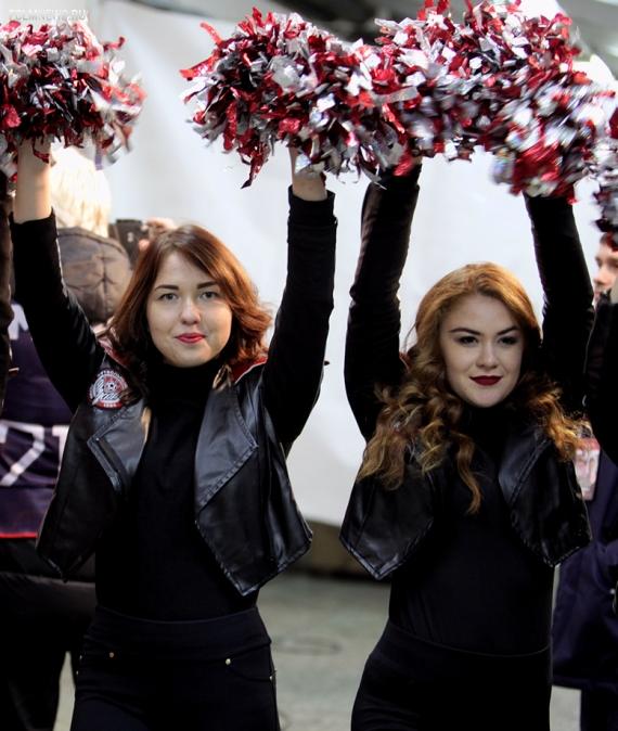 Массовая драка фанатов — в фоторепортаже с матча «Амкар» — «Локомотив»