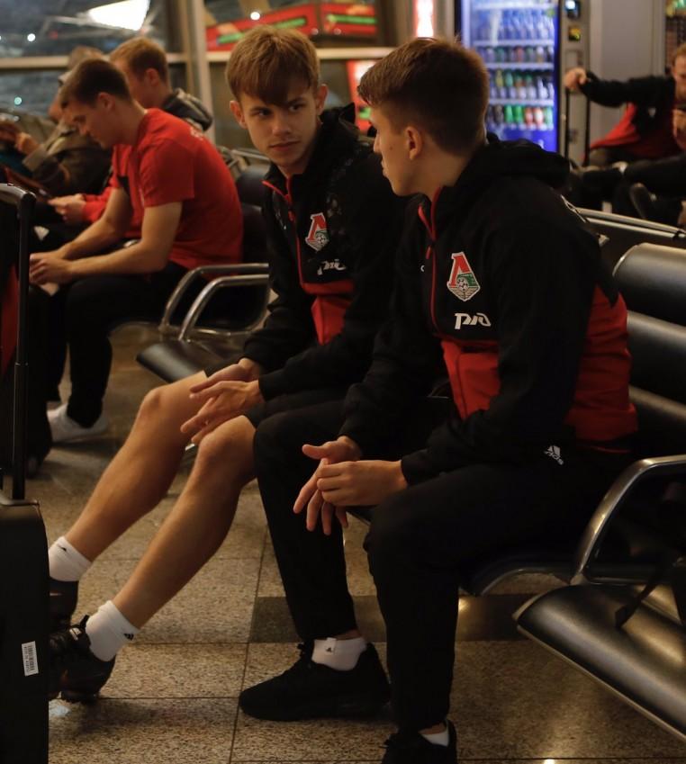 Футболисты «Локомотива» отправились на матч с «Ростовом»